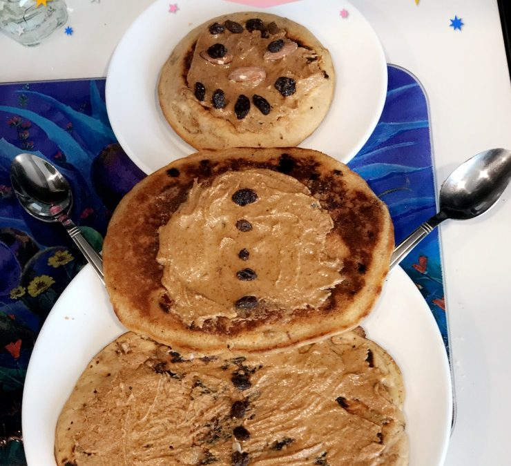 SNOWMAN PANCAKES! (Gluten, dairy, corn, wheat soy free and vegan option available)
